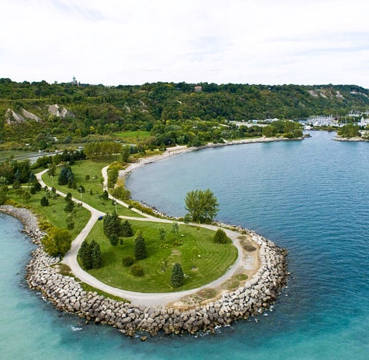 Scarborough Bluffs Toronto travel guide